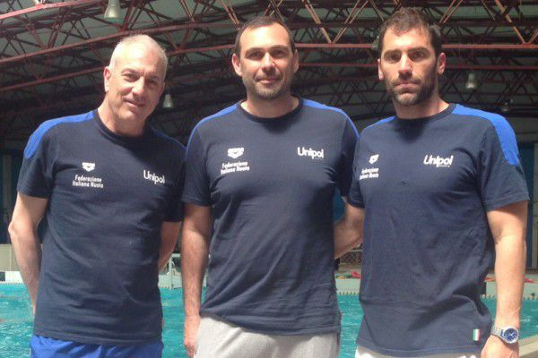 Mino Di Cecca (al centro), allenatore della Nazionale U17