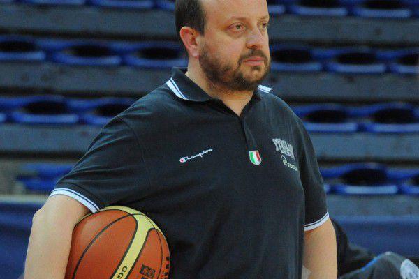 Capobianco è anche c.t. dell'Italia femminile. Ha allenato in A1 a Teramo e Avellino ed è stato vice-c.t. della Nazionale maschile