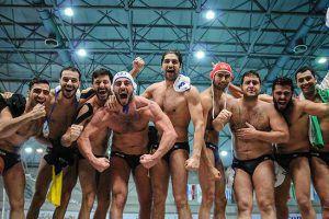 L'Iran festeggia la vittoria della semifinale del Water Polo Development Trophy contro l'Uruguay